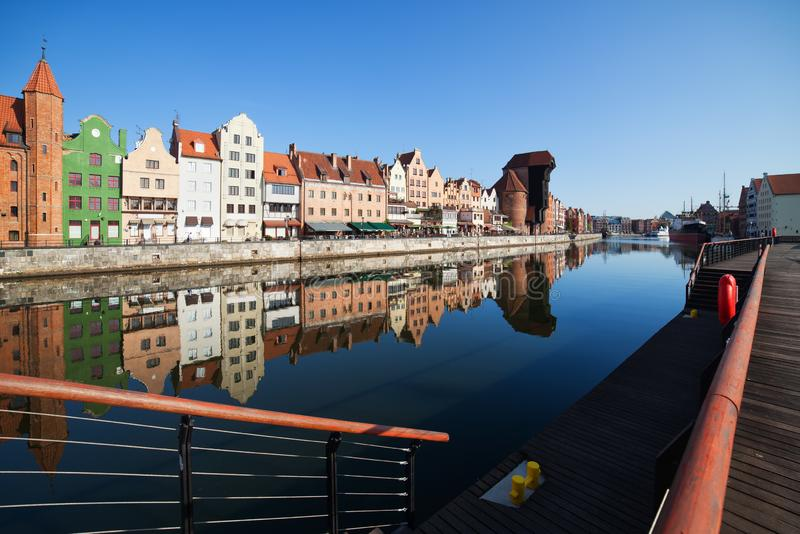 Cidade da opinião do rio de Gdansk fotografia de stock royalty free