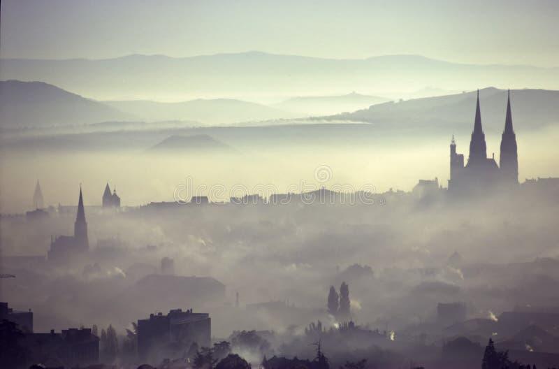 Cidade da poluição imagens de stock royalty free