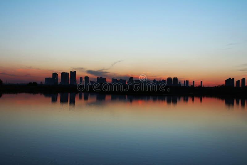 Cidade da reflexão fotos de stock royalty free