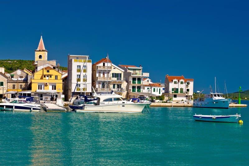 Download Cidade Da Vista Panorâmica De Pirovac Foto de Stock - Imagem de barco, paisagem: 80102230