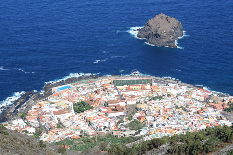Cidade das Ilhas Canárias, Garachico, Oceano Atlântico foto de stock royalty free