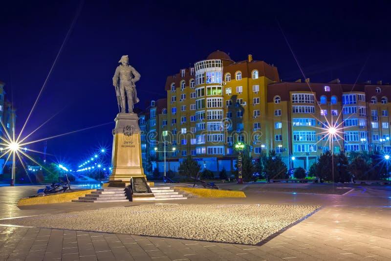 Cidade de Astracã da noite, Rússia foto de stock