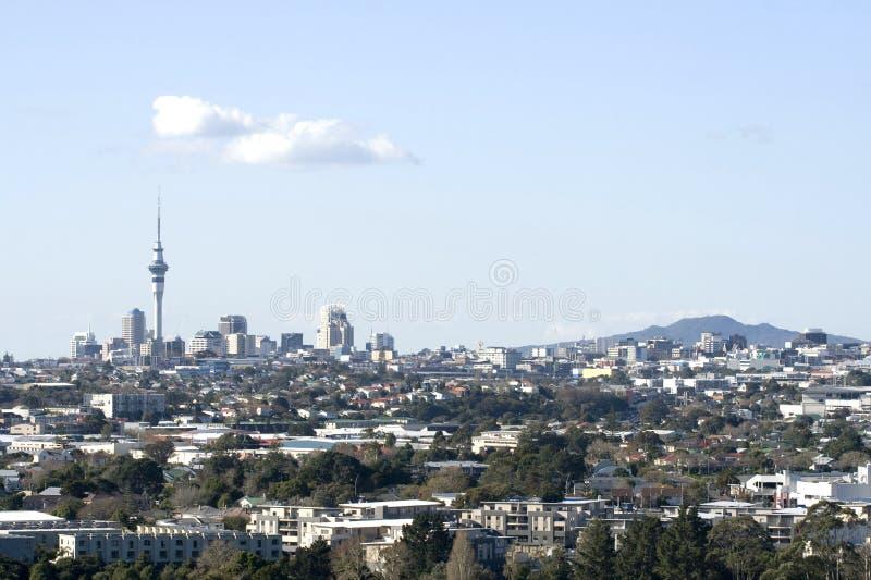 Cidade de Auckland com Rangitoto   foto de stock royalty free
