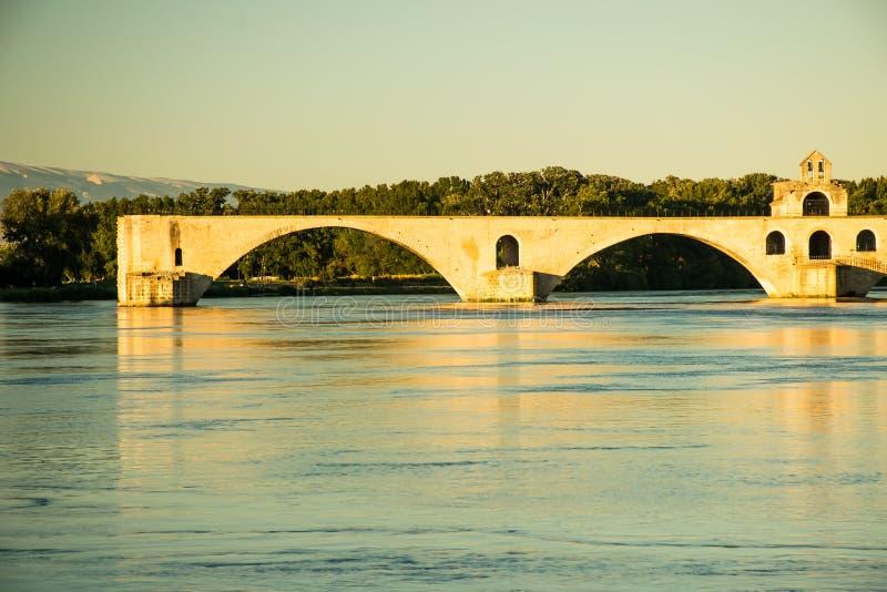 A cidade de Avignon no por do sol com papas Palácio, França foto de stock royalty free