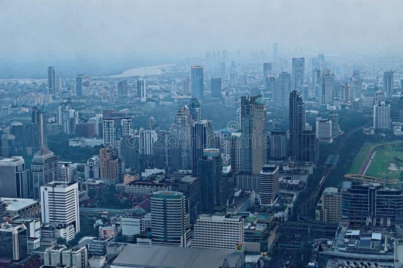 Cidade de Banguecoque no crepúsculo foto de stock royalty free