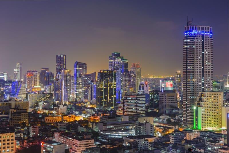 Cidade de Banguecoque no crepúsculo imagem de stock royalty free