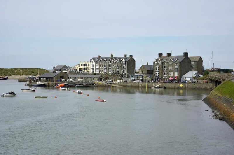 Cidade de Barmouth em Gales, Reino Unido imagem de stock royalty free