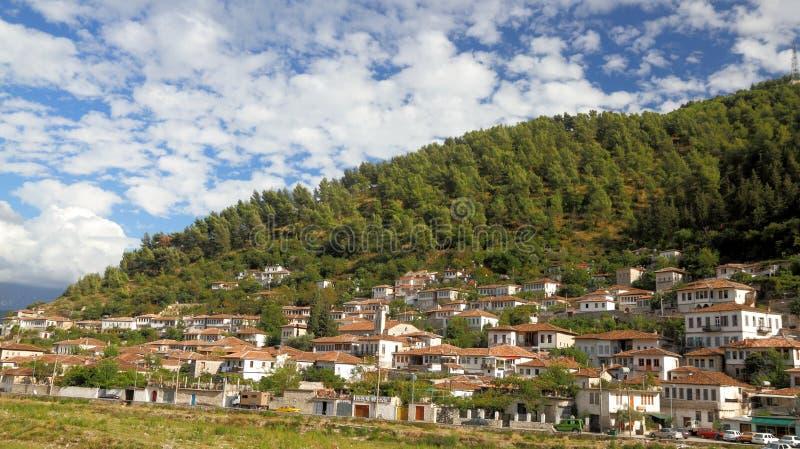 Cidade de Berat em Albânia foto de stock royalty free