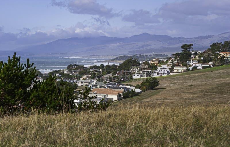 A cidade de Cambria na costa central de Califórnia fotos de stock
