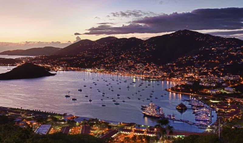 Cidade de Charlotte Amalie e porto imagens de stock royalty free