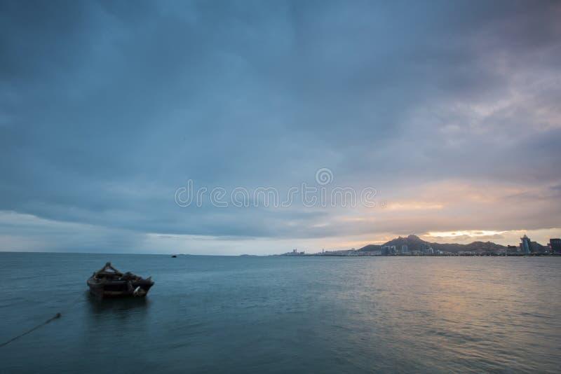 A cidade de China Qingdao negligencia o passo fotografia de stock
