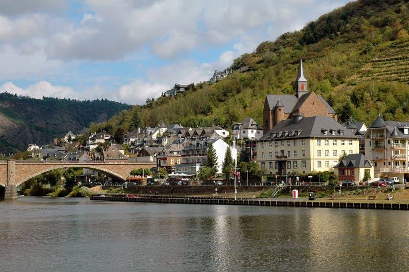 A cidade de Cochem, Alemanha no rio de Mosel fotografia de stock