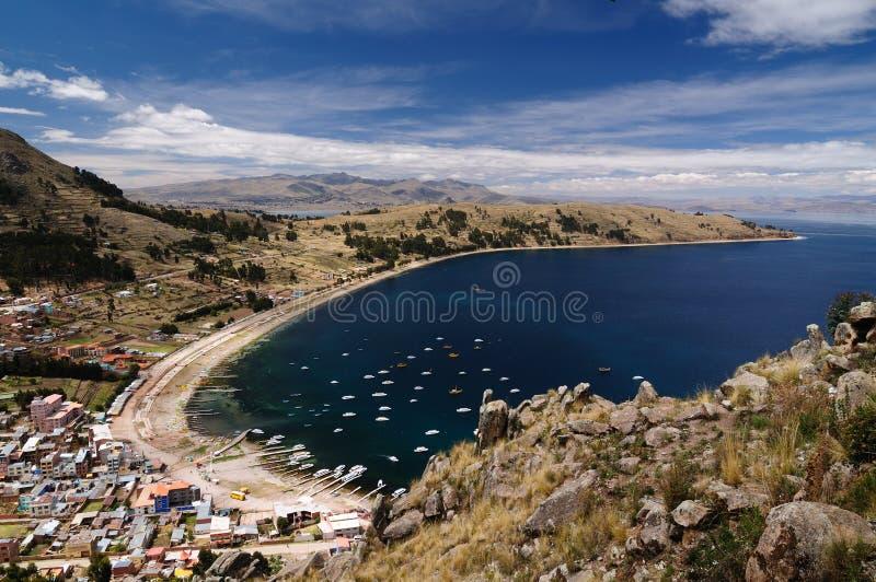 Cidade de Copacabana, lago Titicaca, Bolívia imagem de stock royalty free