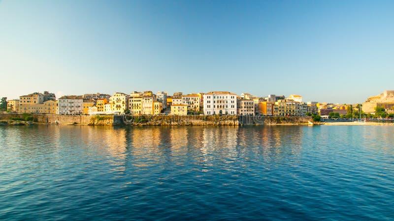 Cidade de Corfu - Grécia Vista do mar imagem de stock royalty free