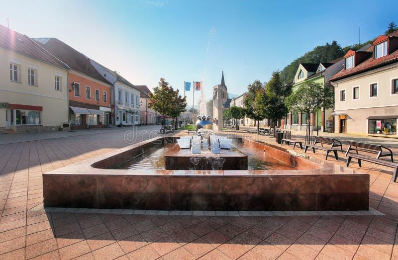 Cidade de Eslováquia Orava, quadrado em Dolny Kubin imagem de stock