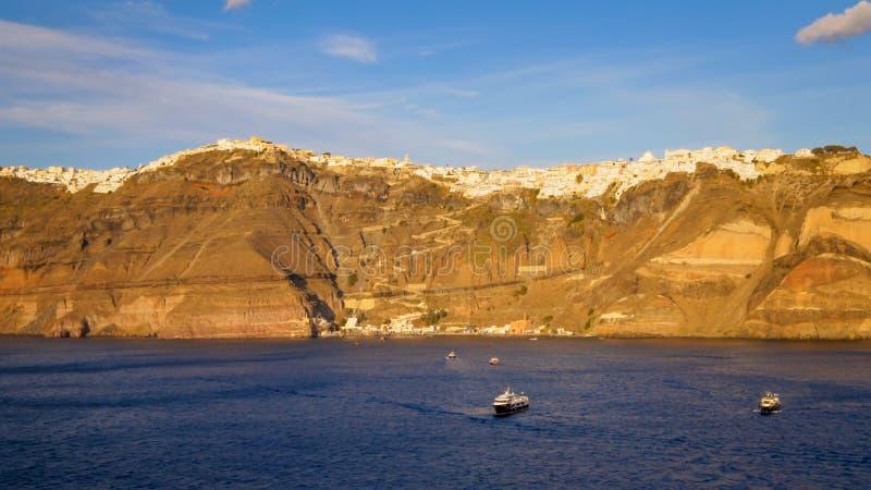 Cidade de Fira na ilha de Santorini, Grécia imagens de stock royalty free