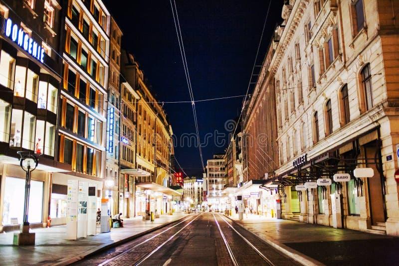 Cidade de Genebra na noite foto de stock royalty free