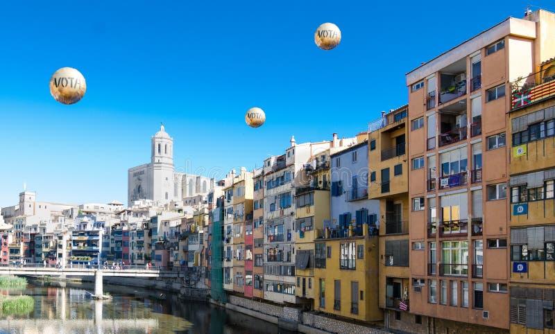A cidade de Gerona quer votar, Espanha imagens de stock