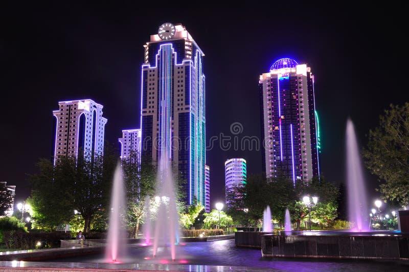 Cidade de Grozny noite República chechena Rússia foto de stock royalty free