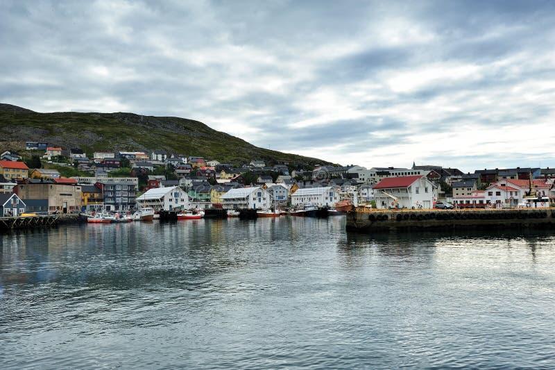 Cidade de Honningsvag, a municipalidade de Nordkapp, Noruega fotos de stock royalty free