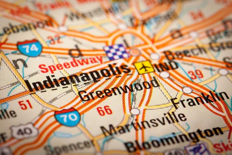 Cidade de Indianapolis em um mapa de estradas imagem de stock