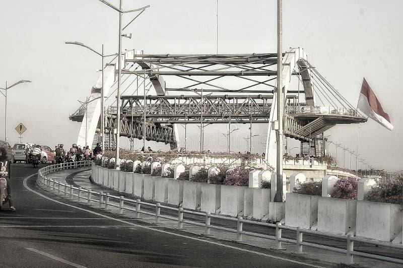 Cidade de Jembatan dos heróis & do x28; indonesia& x29 de surabaya; fotografia de stock