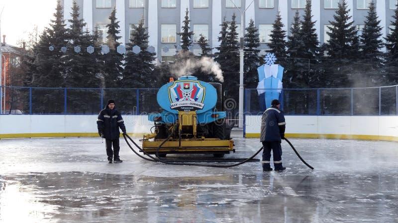 Cidade de Kemerovo pista de patinagem do gelo foto de stock royalty free