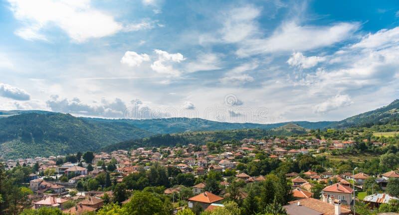 Cidade de Klisura em Bulgária fotos de stock royalty free