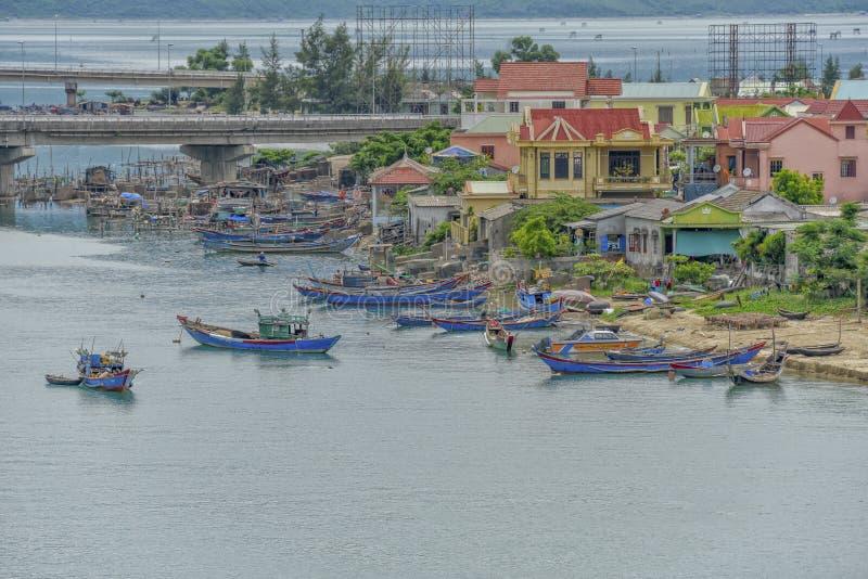 Cidade de Lang Co, matiz, Vietname fotografia de stock royalty free