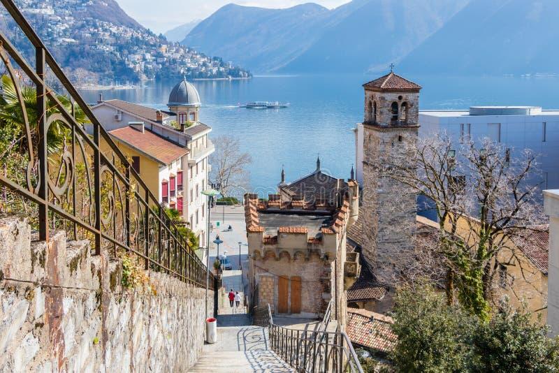 A cidade de Lugano é a cidade principal do cantão suíço Italiano-falador de Ticino, Suíça imagens de stock royalty free