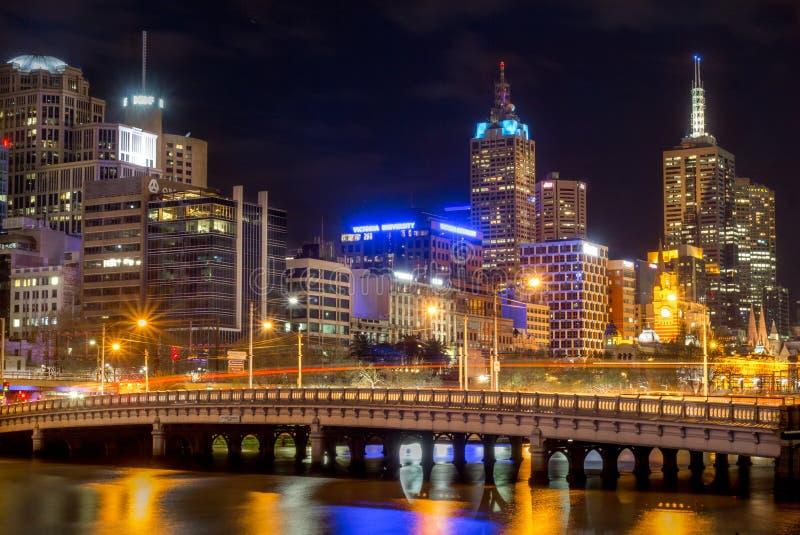 Cidade de Melbourne - ponte do Queens fotografia de stock