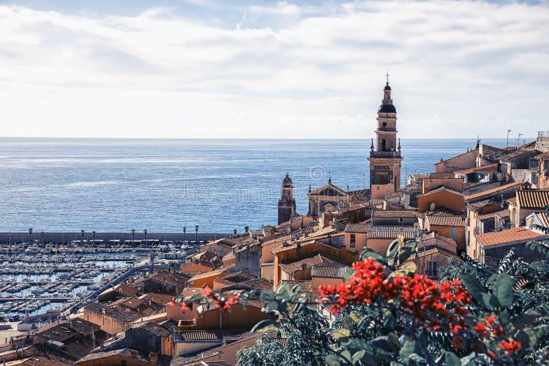 Cidade de Menton no Riviera francês foto de stock