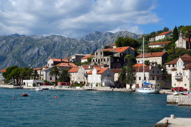 Cidade de Perast, Montenegro imagem de stock