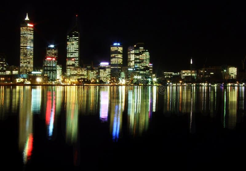 Cidade de Perth na noite fotos de stock