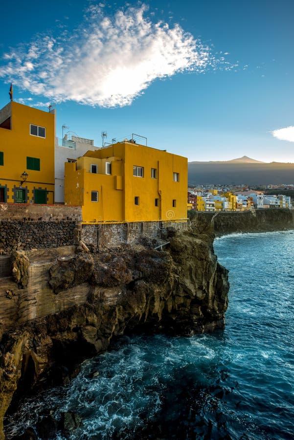 Cidade de Punta Brava na ilha de Tenerife fotografia de stock royalty free