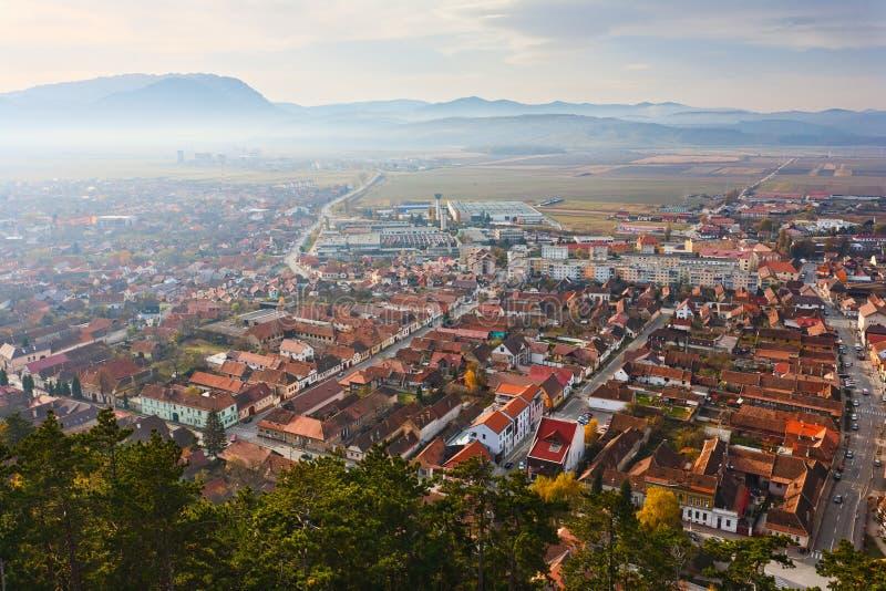 Cidade de Rasnov em Romania fotografia de stock
