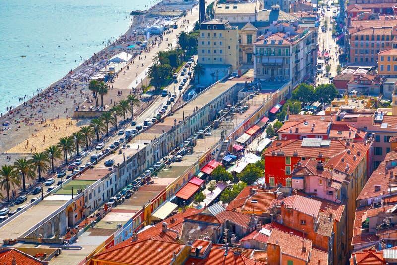 A cidade de Riviera francês de agradável, vista da altura do voo do pássaro imagem de stock royalty free