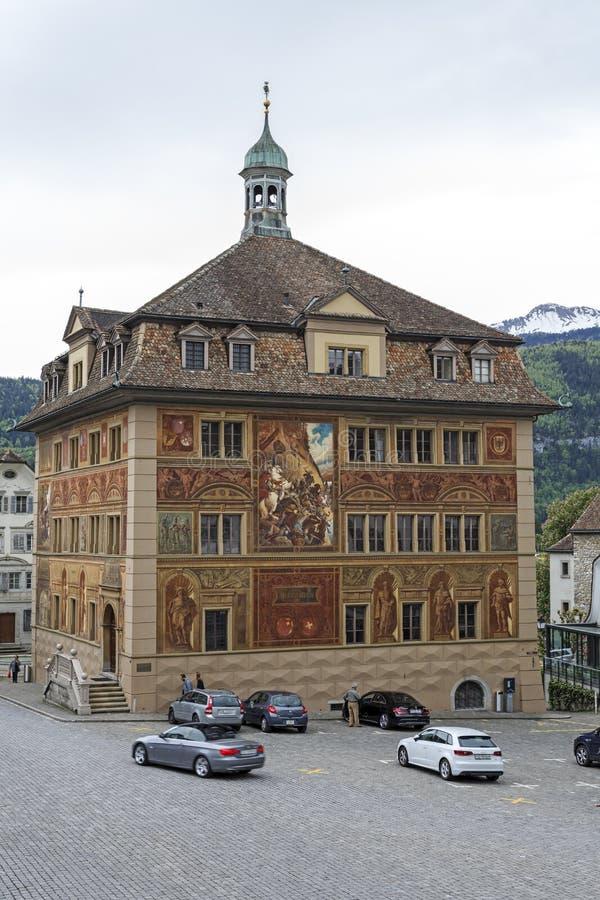 Cidade de Schwyz e de sua câmara municipal imagens de stock royalty free