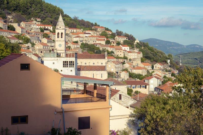 Cidade de Smokvica na opinião regional da ilha de Korcula, Croácia fotos de stock royalty free