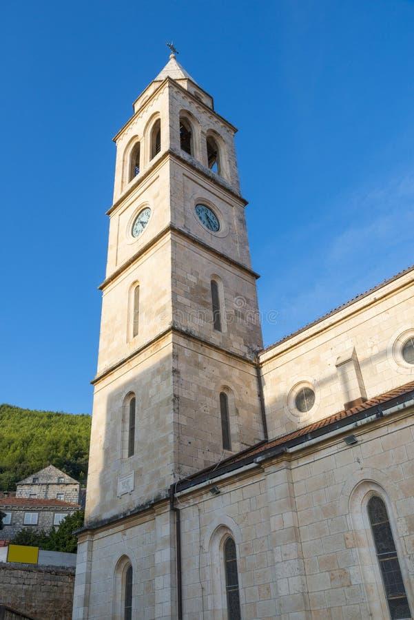 Cidade de Smokvica na opinião regional da ilha de Korcula, Croácia imagens de stock royalty free