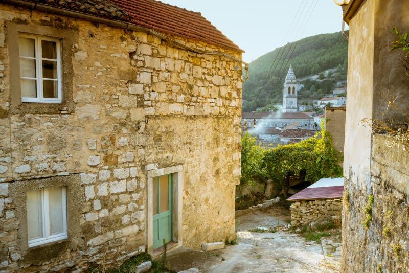 Cidade de Smokvica na opinião regional da ilha de Korcula, Croácia foto de stock royalty free
