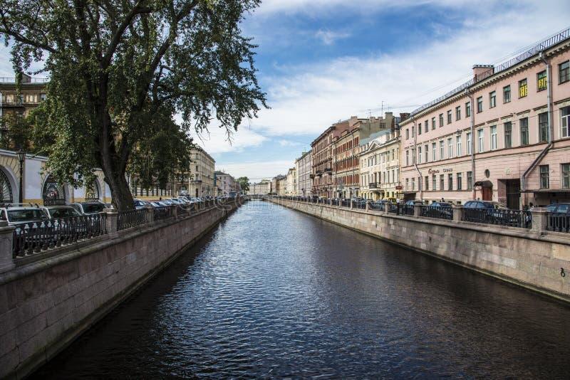 A cidade de St Petersburg fotografia de stock