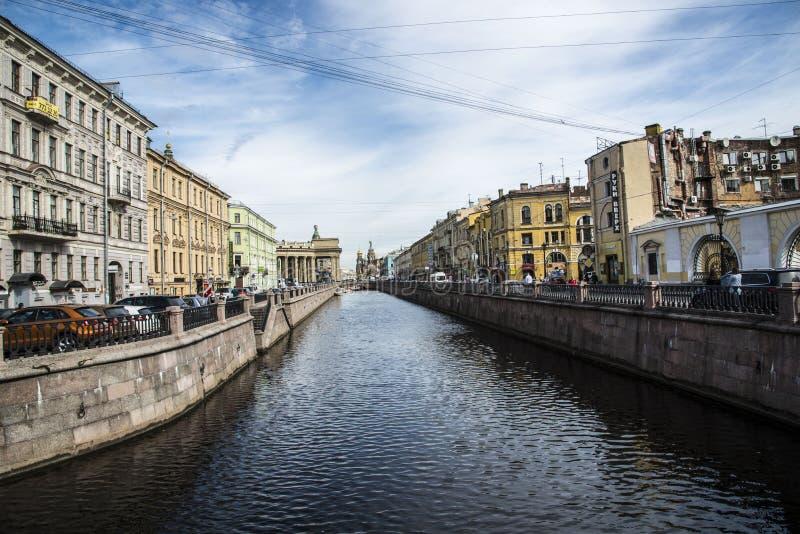 A cidade de St Petersburg imagens de stock royalty free