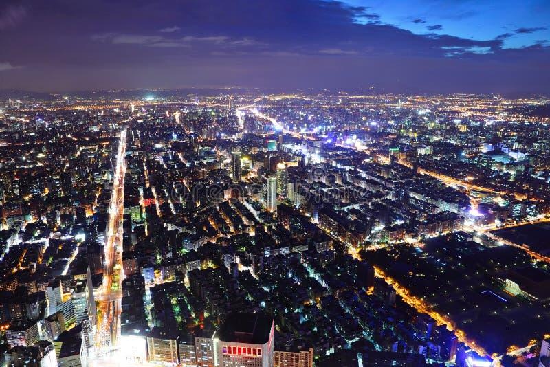 Cidade de Taipei na noite foto de stock royalty free