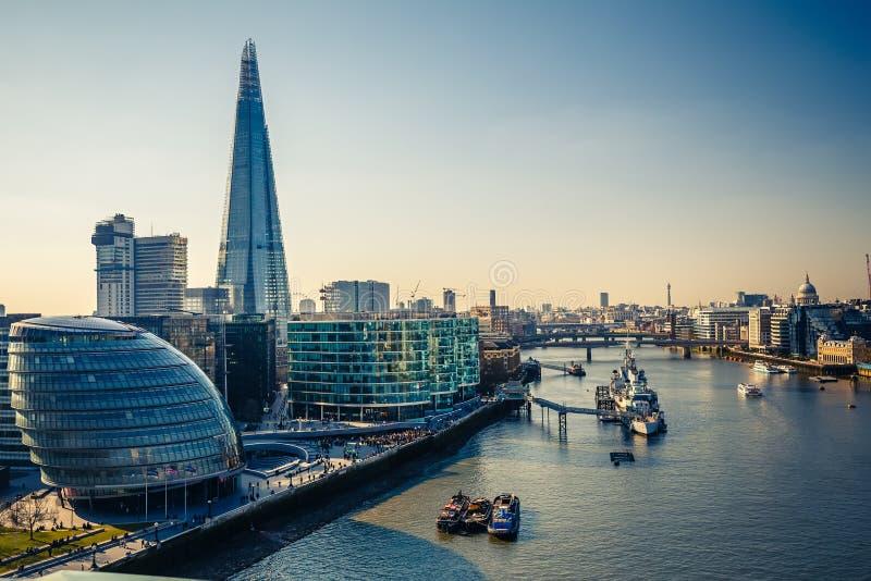 Cidade de Tamisa e de Londres fotos de stock