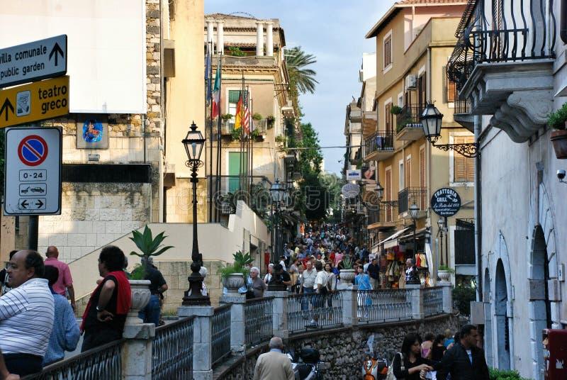 Cidade de Taormina em Sicília, Itália fotografia de stock royalty free