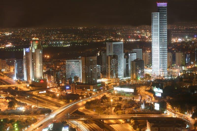 A cidade de Telavive da noite - vista de Telavive em nigh foto de stock