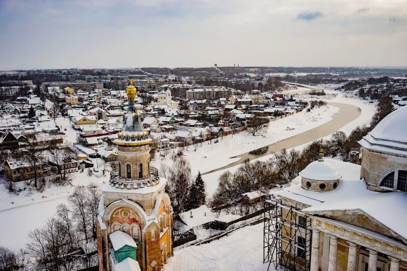 A cidade de Torzhok da região de Tver, a vista da plataforma de observação imagem de stock