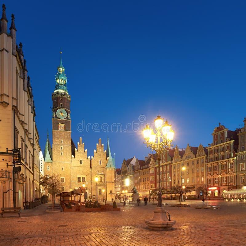 Cidade de Wroclaw no Polônia, na imagem panorâmico ou na câmara municipal imagem de stock royalty free