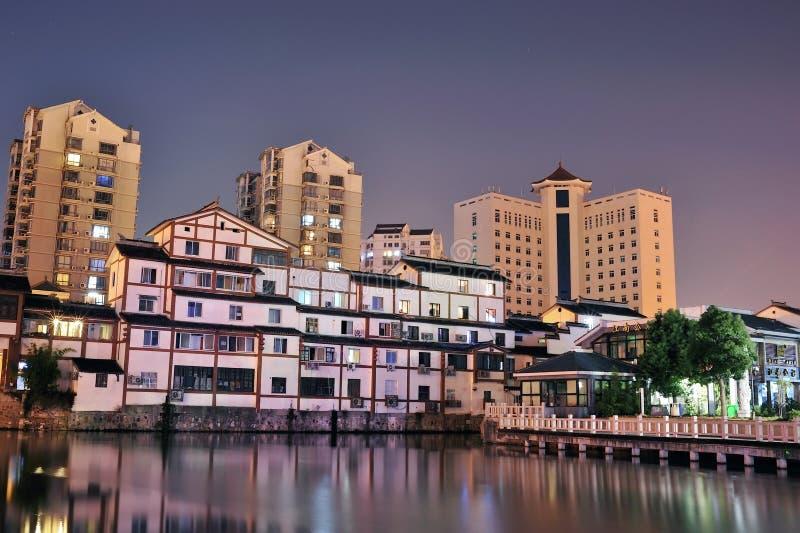 Cidade de Wuxi na noite imagem de stock